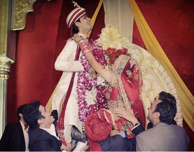 5 Fantastic Jaimala Themes To Make The Ceremony More Graceful