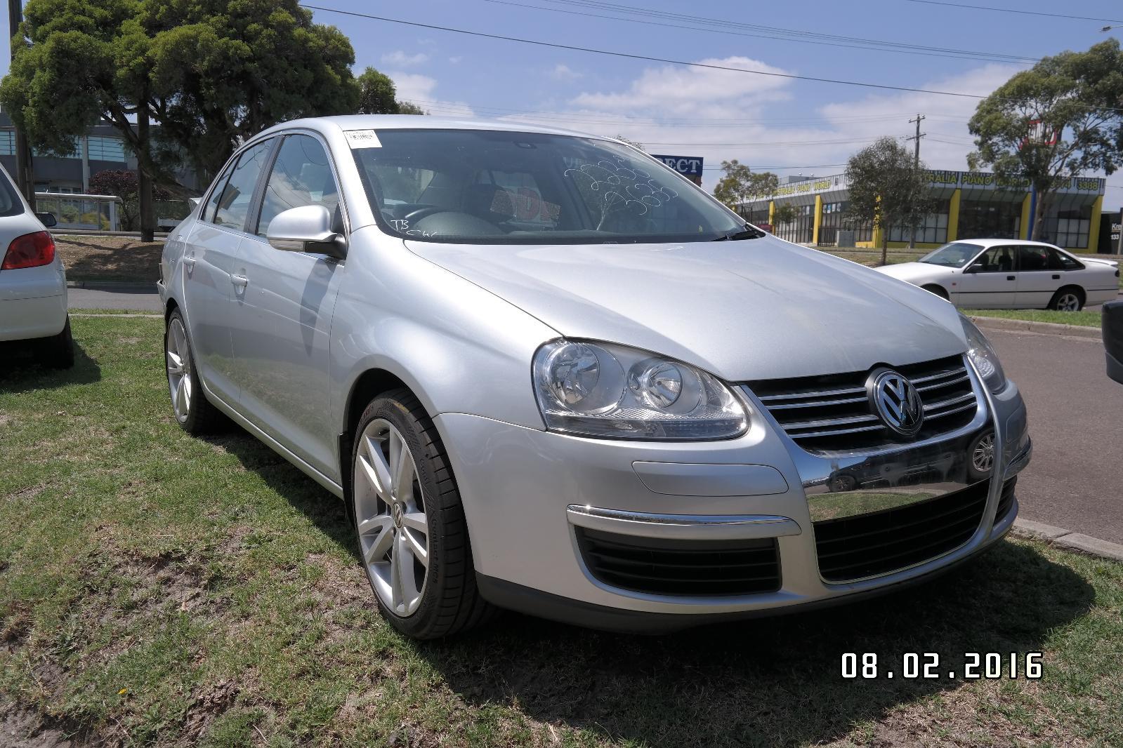 Left Front Strut Jetta Volkswagen 2007