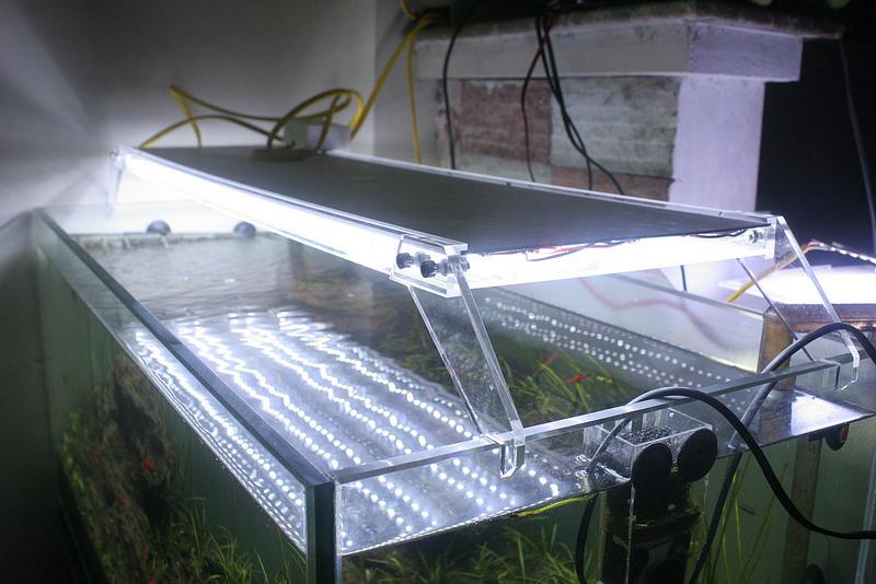 mẫu máng đèn mica trong
