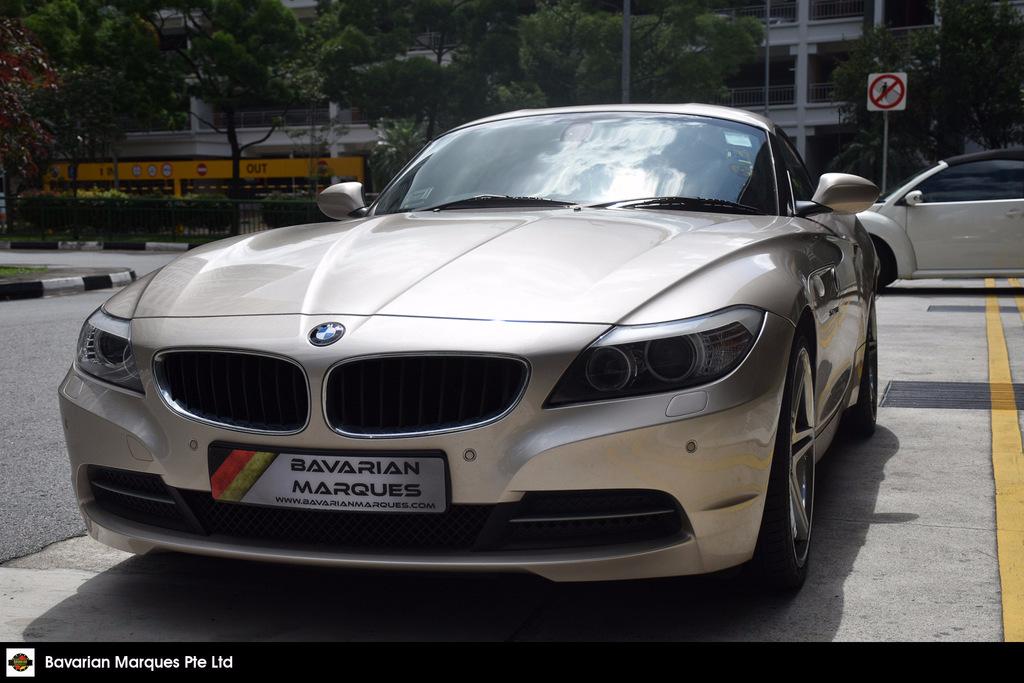 Buy Used B M W Z4 Sdrive 23i 2 5l At Abs D Ab 2wd Hid Car In