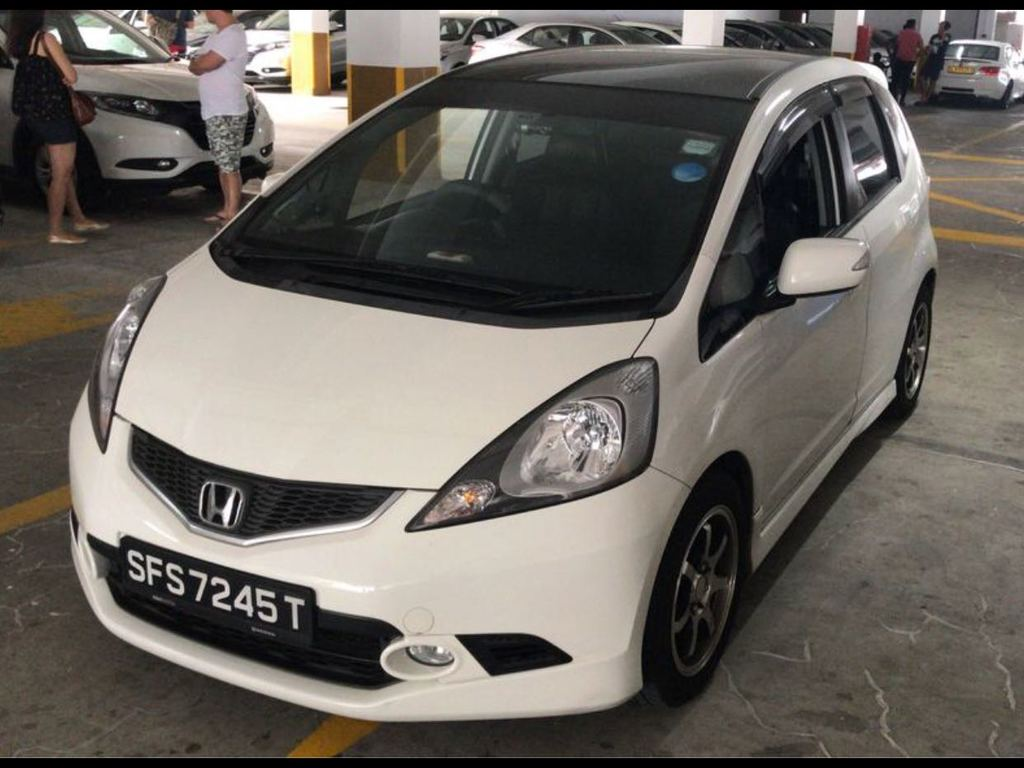 Buy Used Honda Honda Jazz 1 5l A Car In Singapore 15 300 Search