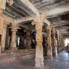 Bhoganandishwara Temple是班加羅爾地位重要的寺廟。