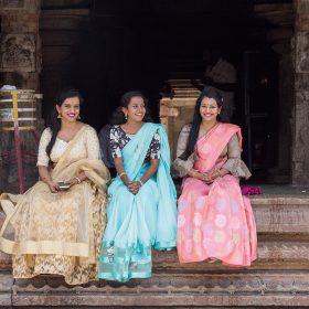 Bhoganandishwara Temple在當地地位甚高,人們來參拜時都會穿上正裝以表尊敬。