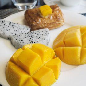 南印度盛產芒果,酒店不少甜品及菜式亦以芒果入饌,當中以Alphonso芒果現吃之芒果亦甚為香甜。