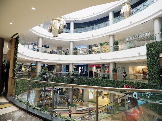 Phoenix Marketcity Bangalore是市內最大商場,可以逛足半天。