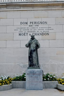 「香檳之父」Dom Pierre Pérignon