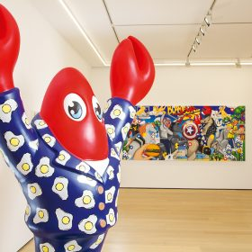 在較早前的「龍蝦樂園」個展中,可以看到滿滿的龍蝦身影。門口的巨型龍蝦雕塑,十分吸引眼球。