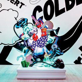 在於過去的展覽上的另一「龍蝦」畫作。(Dream hunt Sculpture-Hunt paintings, Saatchi Gallery, 2m-2)