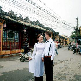 二人於越南拍攝婚照。