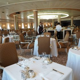若不想吃自助餐廳,用餐時亦可到五樓的Grand Dining Room單點。