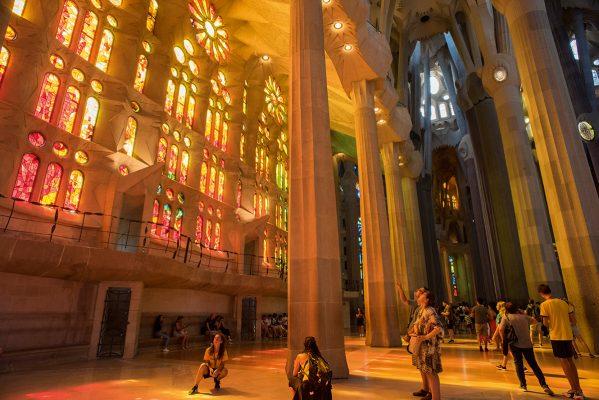 巴塞羅那是地中海航線其中一個主要停泊點,市內著名的聖家堂,絕對不能錯過。