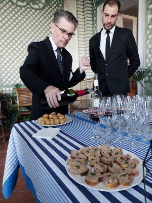 在Chateau du Taillan品嘗了莊園出品的不同葡萄酒,伴上法式佐酒小食。