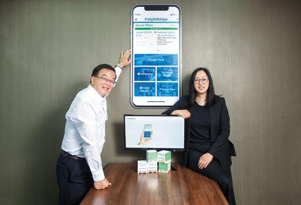 (左起)物流平台FreightAmigo創辦人周國強與謝凱澄。