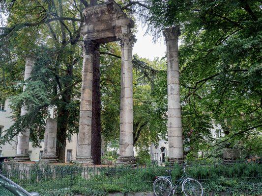 在貝桑松古城內,經常可以看到古羅馬時期留下的遺跡。