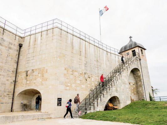 城堡內可以步行上城牆,飽覽貝桑松風景。