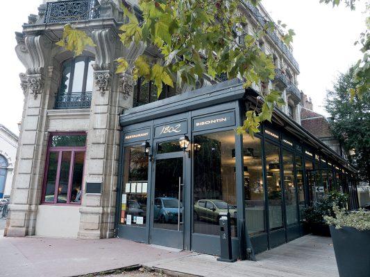 1802 是貝桑松一家不錯的地道餐廳,氣氛很好,食物水準亦不俗。
