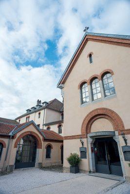 Le Sauvage Hotel前身是一座修道院,也是修女住的地方。