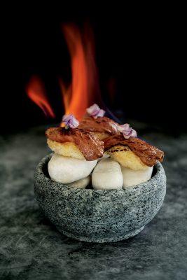 SKYE Gastrobar的其中一道創意菜式:Wagyu Beef Nigiri。(菜式或因時令而變)