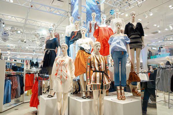 Ronna坦言,現今 的「快速時裝」(Fast Fashion)的潮流是製造紡紗廢料的源頭之一。她認為,要改善廢料製造,得從教育大眾開始。