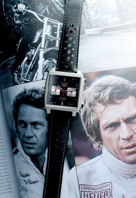 Monaco腕錶在1971年經「古早男神」Steve McQueen在電影《Le Mans》佩戴過後一炮而紅,奠定了在賽車界與腕錶界的經典地位。圖為在上海壓軸發佈的Monaco 2009–2019限量版腕錶。(HK$52,700)