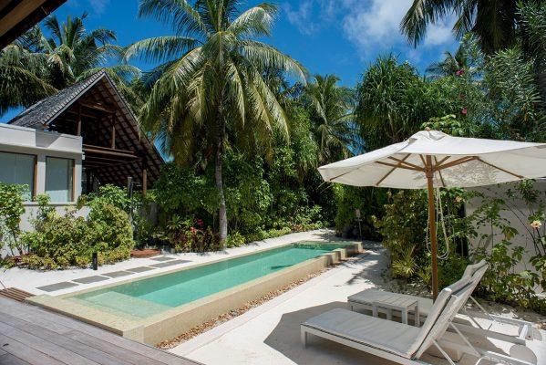 豪華沙灘別墅附設私人泳池,私密度更高。
