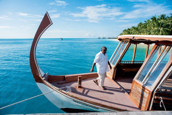 馬爾代夫傳統漁船Dhoni,如今亦會作為旅遊用途。