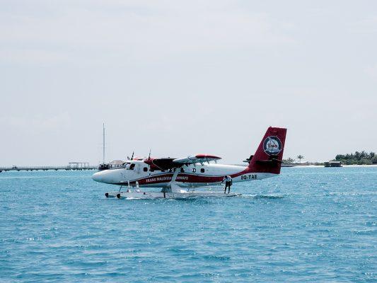 能直接在水面降落的水上飛機,是馬爾代夫常見的交通方式。