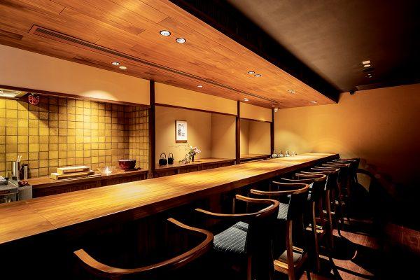 「富小路やま岸」位於K11 Musea的香港分店,裝潢按照日本茶室的模式設計,同時加入現代和風元素,著重與客人交流。