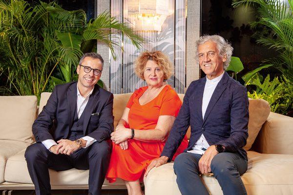 (左起)Leo與品牌大使Susanna Bidone及Savio Pesavento。