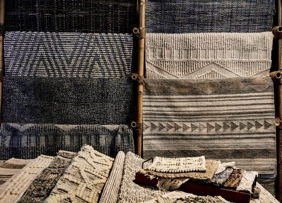 除有回收再造傢具,還有利用再生織線編成的小地毯。