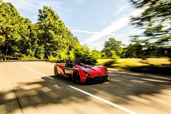 為爭取市場優勢,APEX先推出汽油車,但下一台作品,將是電動車。