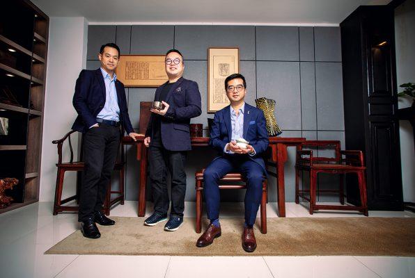 (左起)「國際匠人協會」主席張迦南、副主席文嘉麒及出任顧問的資深古董藏家兼「典亞藝博」創辦人黑國強。