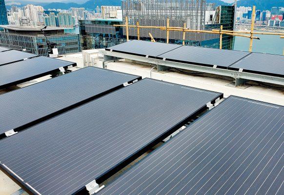 大樓頂層配備了全亞洲及澳洲最大的混合太陽能和熱能板(PVT Panel)。