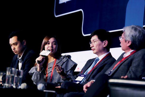去年11月舉辦的第十二屆社企民間 高峰會,假座香港會 議展覽中心舉行。 Rebecca是其中一位獲邀出席座談會的演講嘉賓。