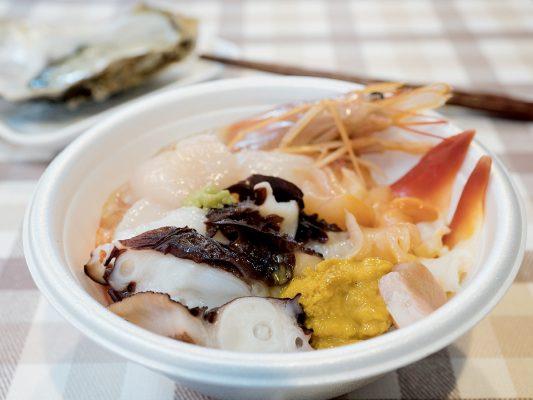 如此一碗豐盛的海鮮蓋飯,便利用了十枚小票,合共 1,500日元。