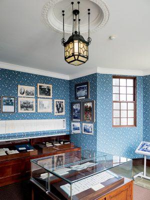 喫茶室內有免費展覽,可了解昔日歷史。