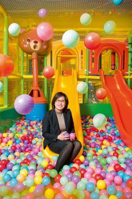 Emily現時仍有經營Play house室內兒童遊樂場,也因疫情關係,營運亦受到影響。