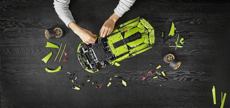 樂高Technic林寶堅尼Sián FKP 37套裝為超級跑車愛好者和樂高擁躉帶來了全新的超凡拼搭體驗。
