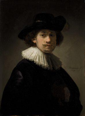 《戴襞襟和黑帽的自畫像》