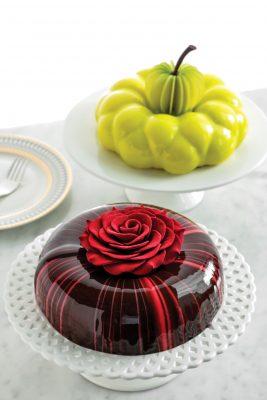 (左至右)「紅桑子朱古力」和「蘋果香檳」