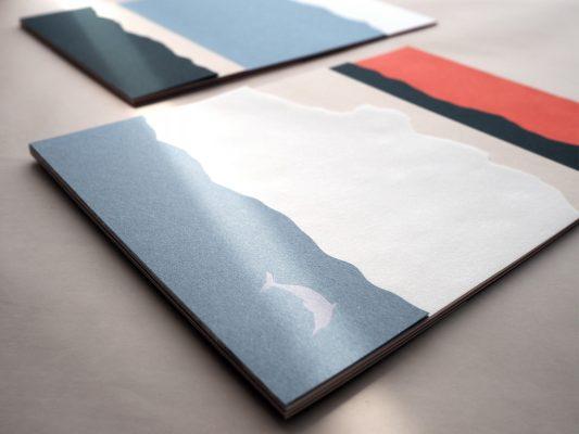 【聯乘首賣】以香港獅子山 x 中華白海豚為主題,並用夏天的色調親託而成。
