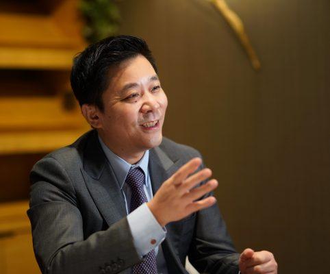 東京中央拍賣控股有限公司的創辦人及董事長安藤湘桂。