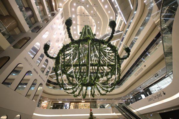 高15米典雅聖誕吊燈。