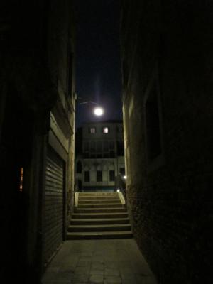 穿梭寧靜的小巷