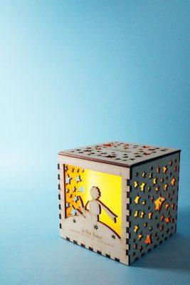 Whateversmiles x CEDAR WORKSHOP:木製點字夜燈盒 $380 (夜燈盒由心光盲人院暨學校轄下的CEDAR WORKSHOP製作,他們是由一群視障青年管理及營運的社會企業,致力為視障青年提供就業機會,助他們自力更生。產品詳情可瀏覽網站內容)