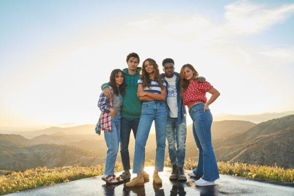 """American Eagle的秋冬季系列︳以""""Back To School""""為題,帶來富有時尚活力的色彩服飾單品。"""