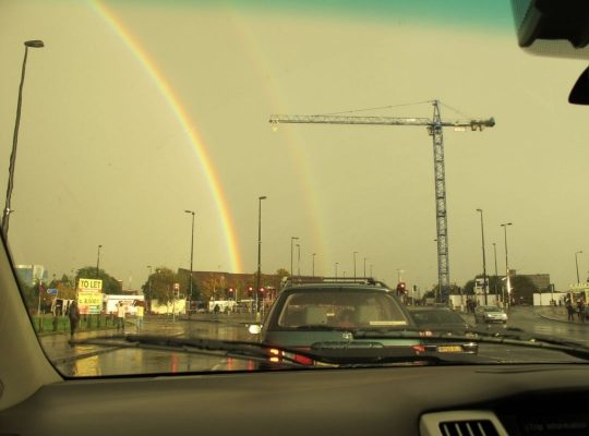 坐順風車期間,遇見雙彩虹