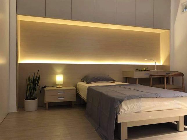 3개 침실에는 2개의 싱글침대와 1개의 퀸사이즈 침대가 있습니다. 일가족 분들에 맞춤입니다.원하시면 서재나 트윈룸으로도 변환가능하고요.
