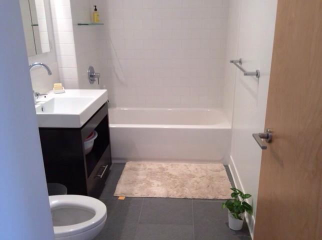 마스터룸(화장실불포함) $2000 세컨룸$1700 거실룸 $1400 유틸은 $55에요