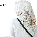 HIJAB SILK SEGI EMPAT PREMIUM / KERUDUNG MUSLIMAH HMA017